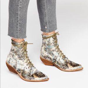 Free People Jeffrey Campbell Grove Lace Up Boots 7